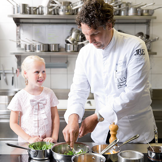 At the kitchen with Thorsten Probost